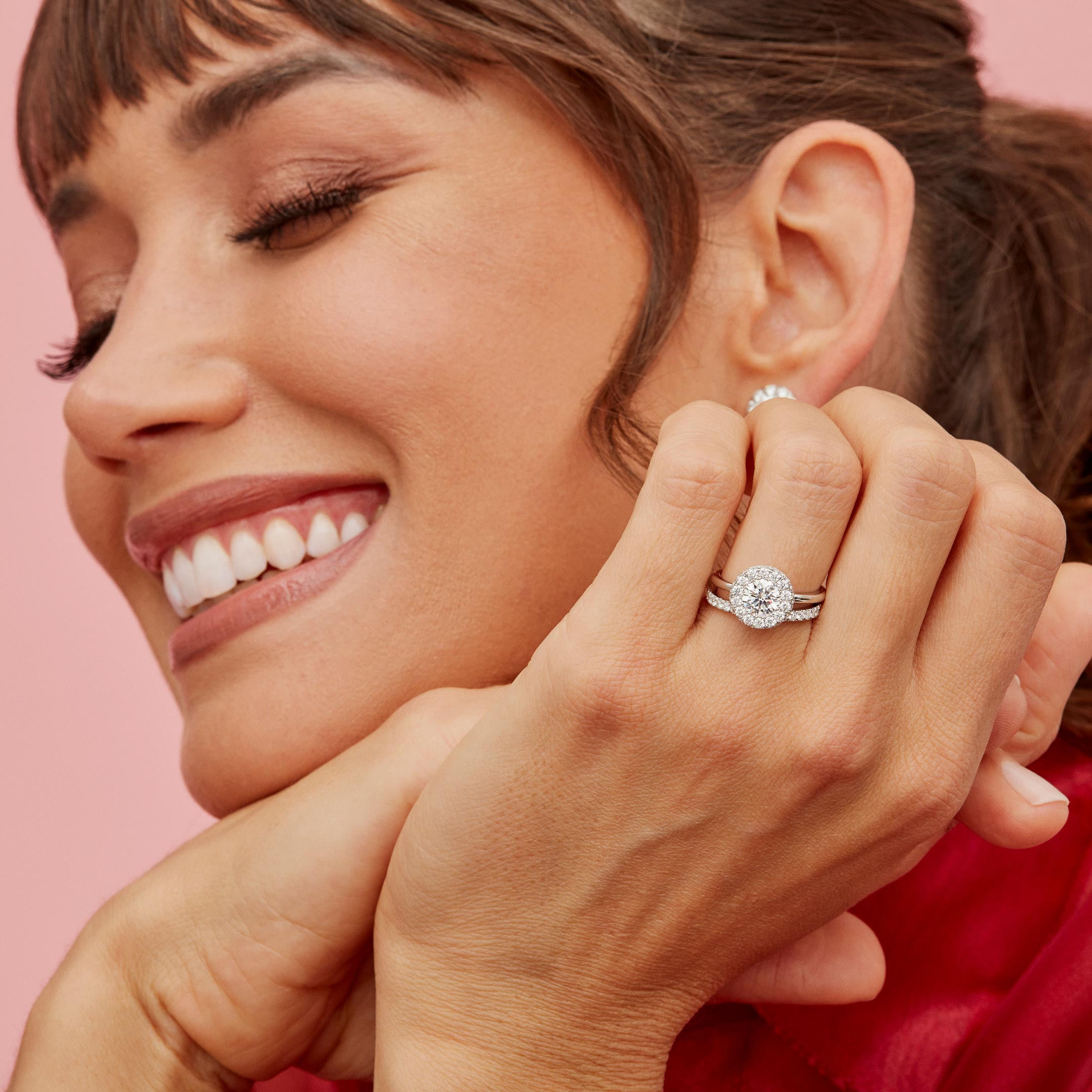 Colette Round Brilliant Seamless Halo® Engagement Ring with a solid band in Platinum Model Lifestyle by Oui by Jean DoussetColette Round Brilliant Seamless Halo® Engagement Ring with a solid band in Platinum by Oui by Jean Dousset